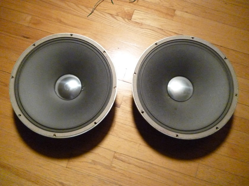 JBL D130 15 inch speakers Signature series low frequency 16 0hm excellent