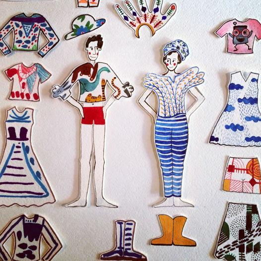 Бумажные куклы во фриковых нарядах.