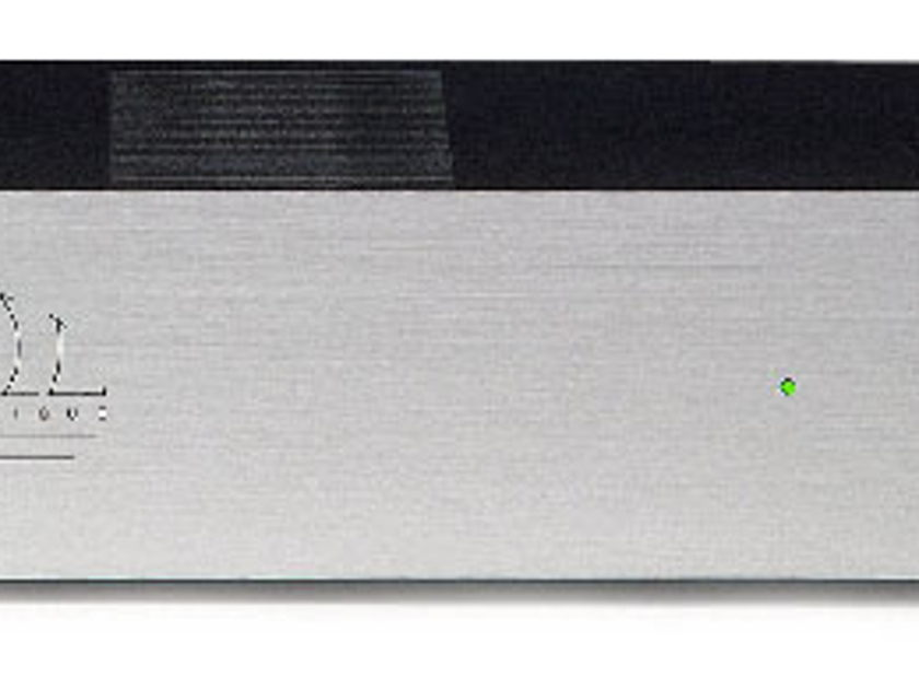 Atoll Electronique AM100 power amplifier (silver)