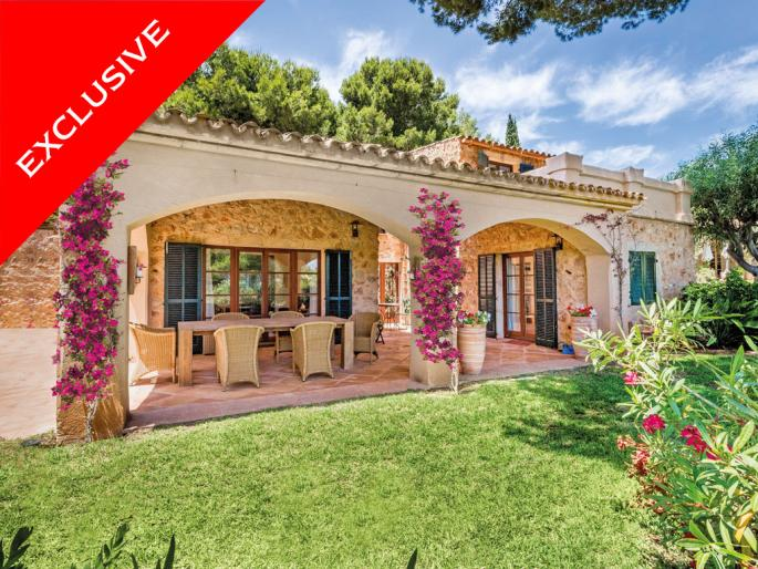 Attractive villa in finca-style in Nova Santa Ponsa