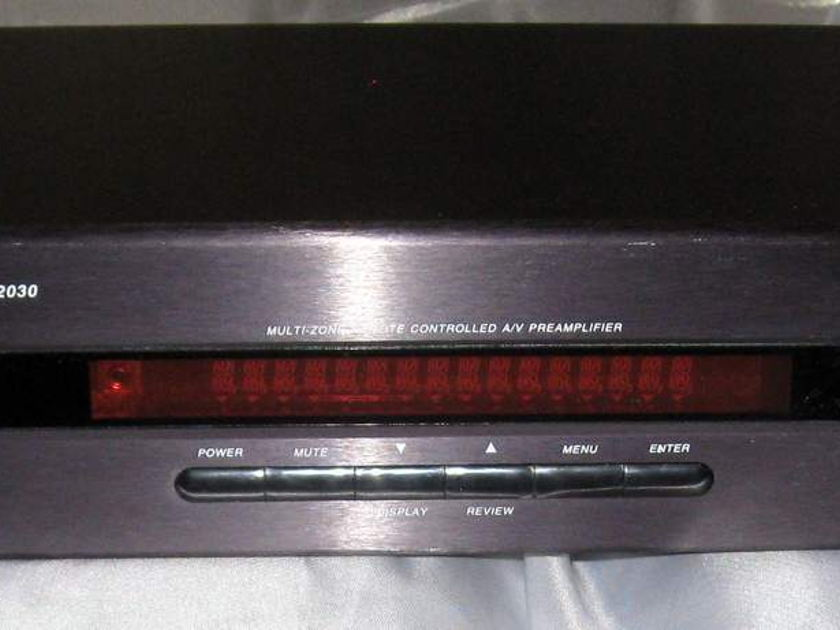 B&K Components AVP-2030 preamplifier tuner with remote