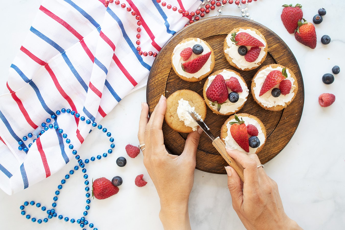 red white blue cupcakes 2.jpg