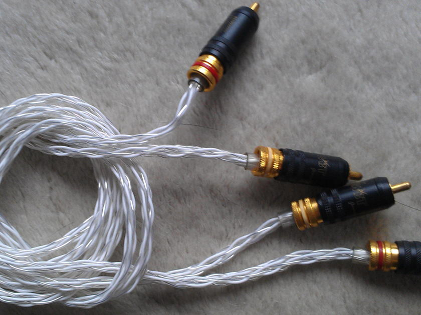 HomeGrown  Silver Lace  1 meter - WBT-0147 RCA's