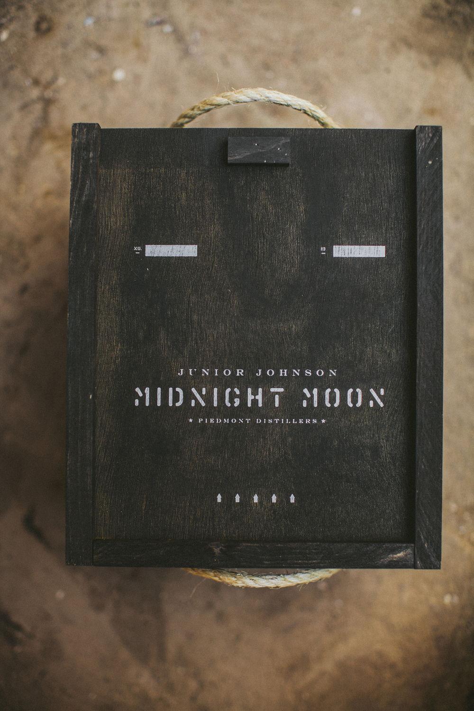 Device_MidnightMoonArtistBox_01.jpg