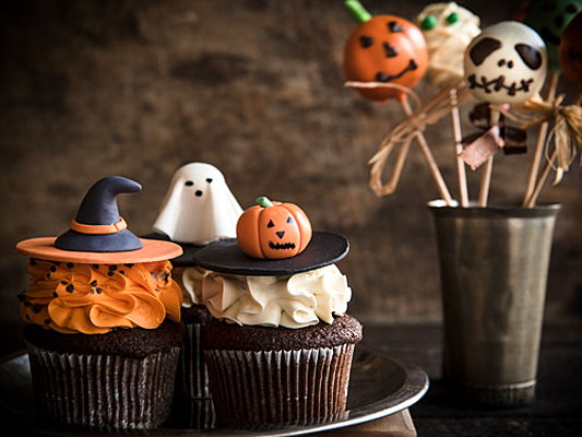 Sant Just Desvern - Eight stylish Halloween party decoration ideas