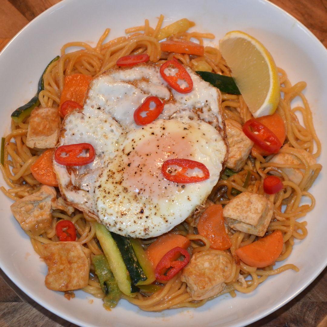 Date: 9 Jun 2020 (Tue) 140th Main: Tofu Ramen Noodle Stir-Fry with Zucchini & Sunny Side Up [383] [164.5%] [Score: 10.0] Cuisine: Japanese Dish Type: Main