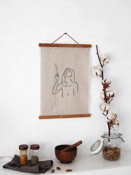 Постер на стену (лён, дерево) Контур девушки