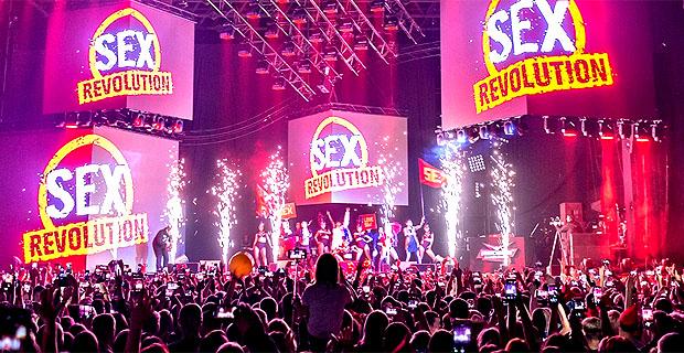 «SEXуальная Супердискотека 90-х» от «Радио Рекорд» покорила Москву - Новости радио OnAir.ru