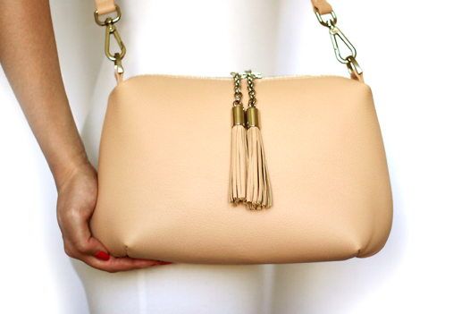 Пудреная кожаная сумка Ivy (серебристая фурнитура)