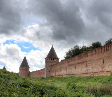 Восславлен крепостью