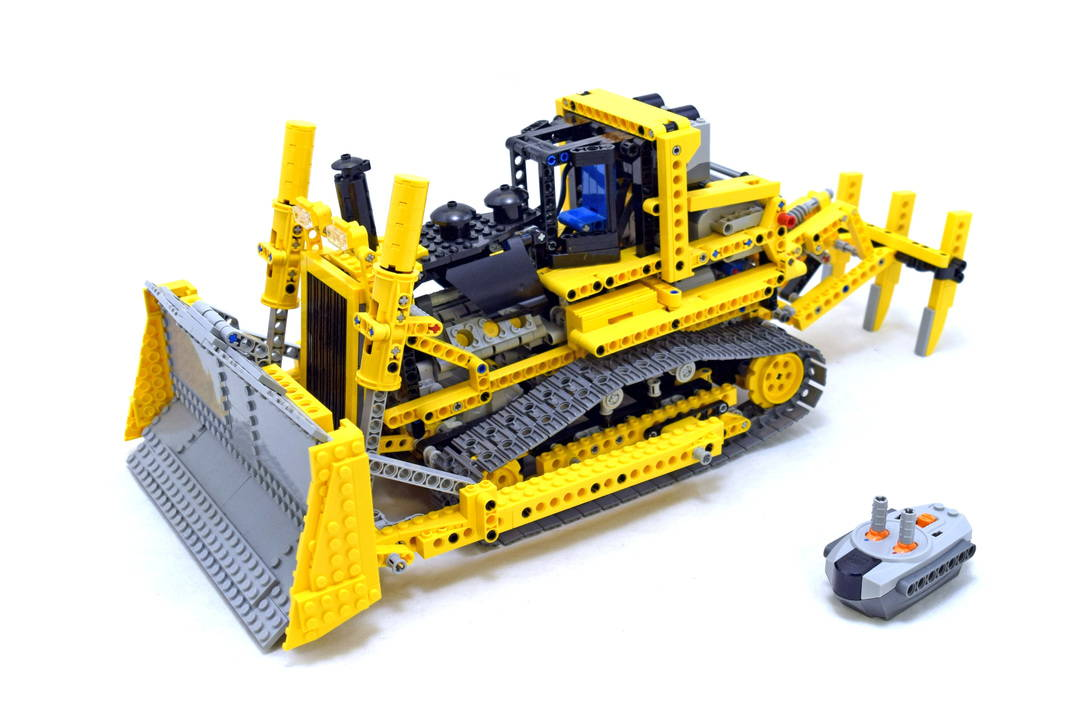 LEGO 8275: Motorized Bulldozer