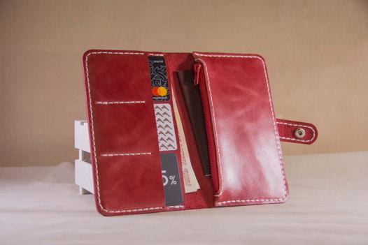 Женское портмоне из красной кожи