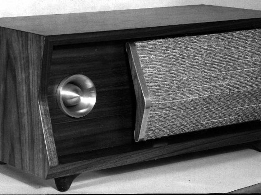 Wanted: JBL Bel-aire D42020 or D42216 Bookshelf Speaker Pair