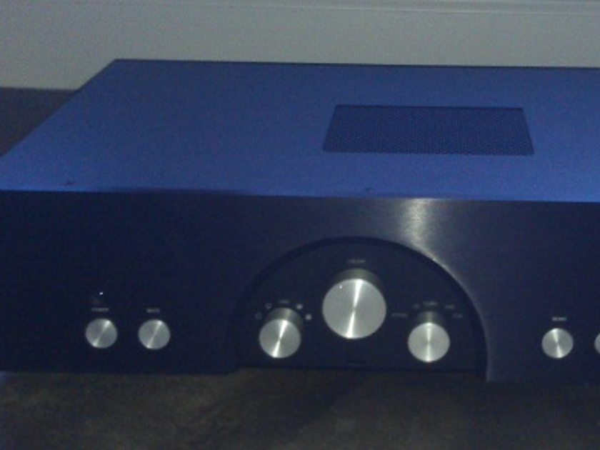 Rogue Audio 99 Magnum line-stage preamp sounds SWEET!