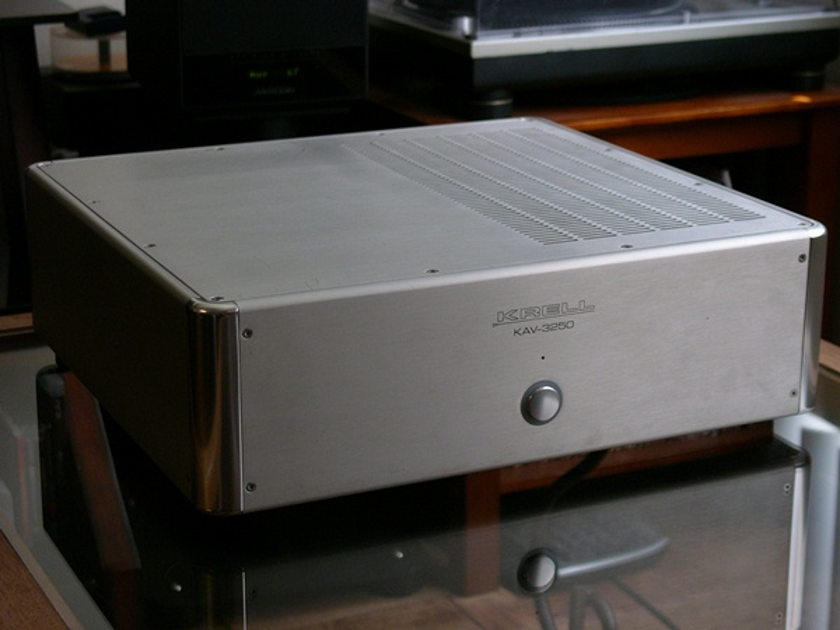 Krell KAV-3250 Amplifier