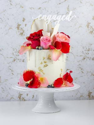 """6"""" Cake with Red and Pink Roses, White Chocolate Drip, Gold Foil and Chocolate Shards"""