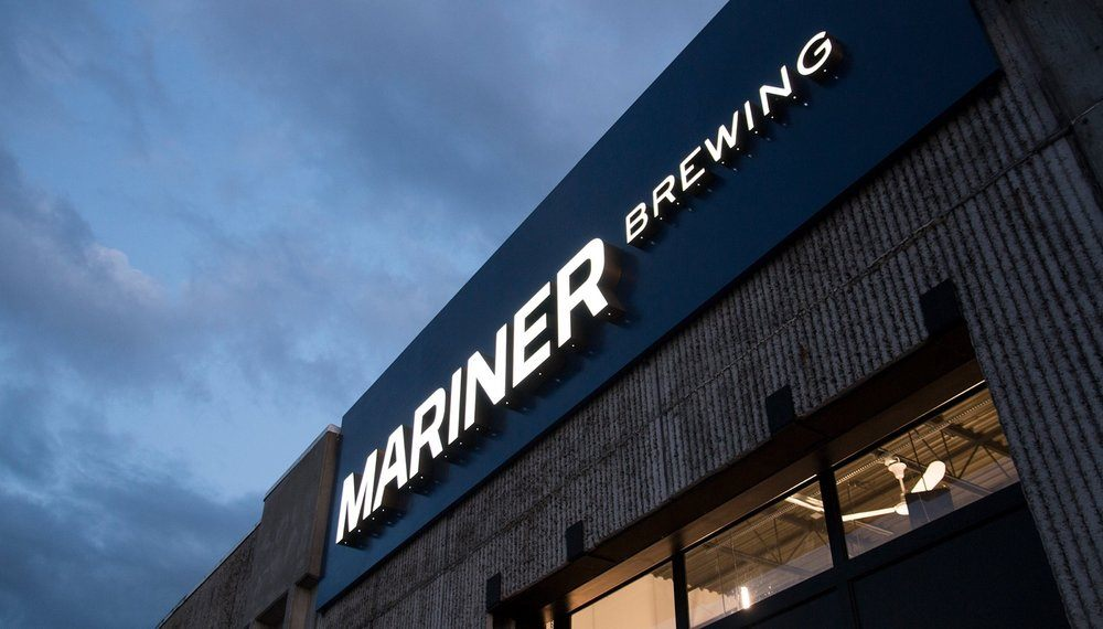 12GlasfurdWalker_MarinerBrewing_Signage.jpg