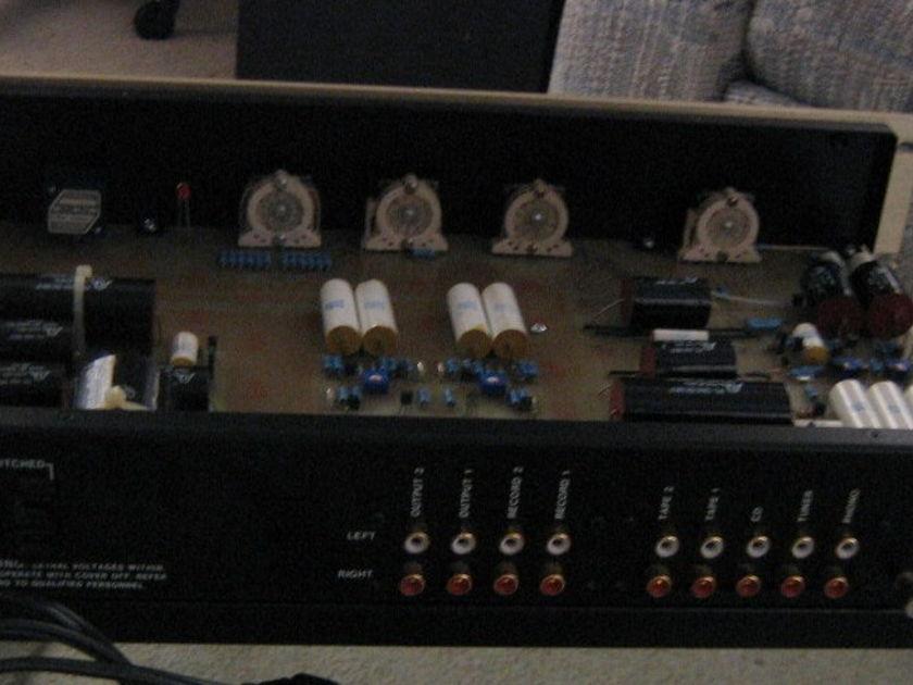 CONRAD JOHNSON PF-1 Preamplifier w/ Phono