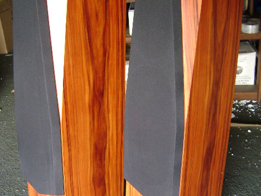 Silverline Audio Sonatina Floorstanding Speakers - SWEET!
