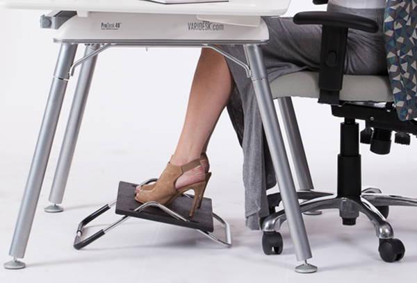 Ergonomic footrest