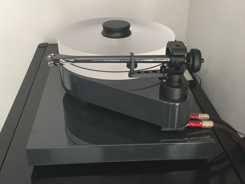 Pro-ject RPM-10.1 Evolution with Sumiko Blackbird LO Cartridge