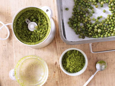 Roast and blend green peas