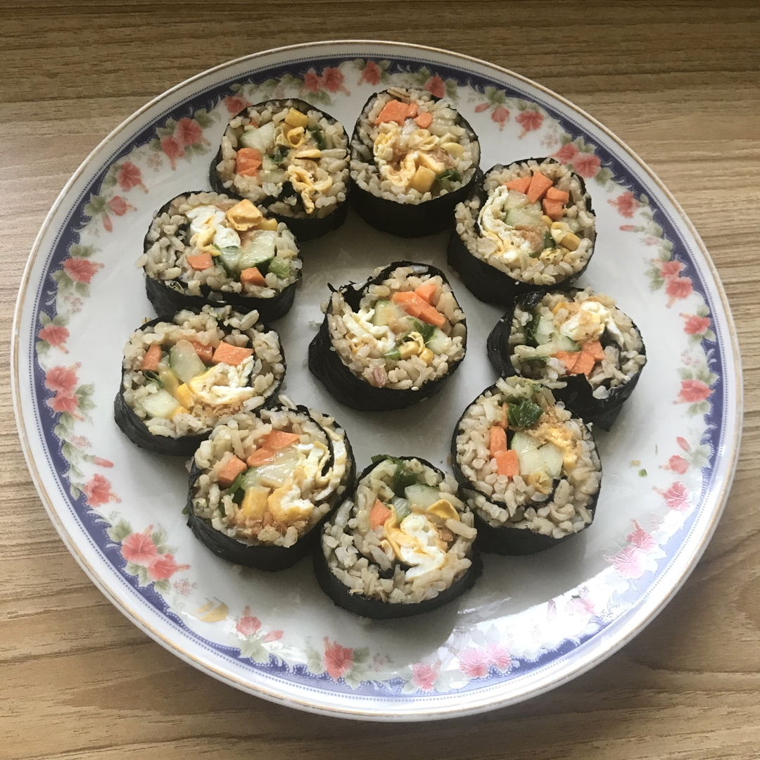Kimbap for lunch 🍴 😃