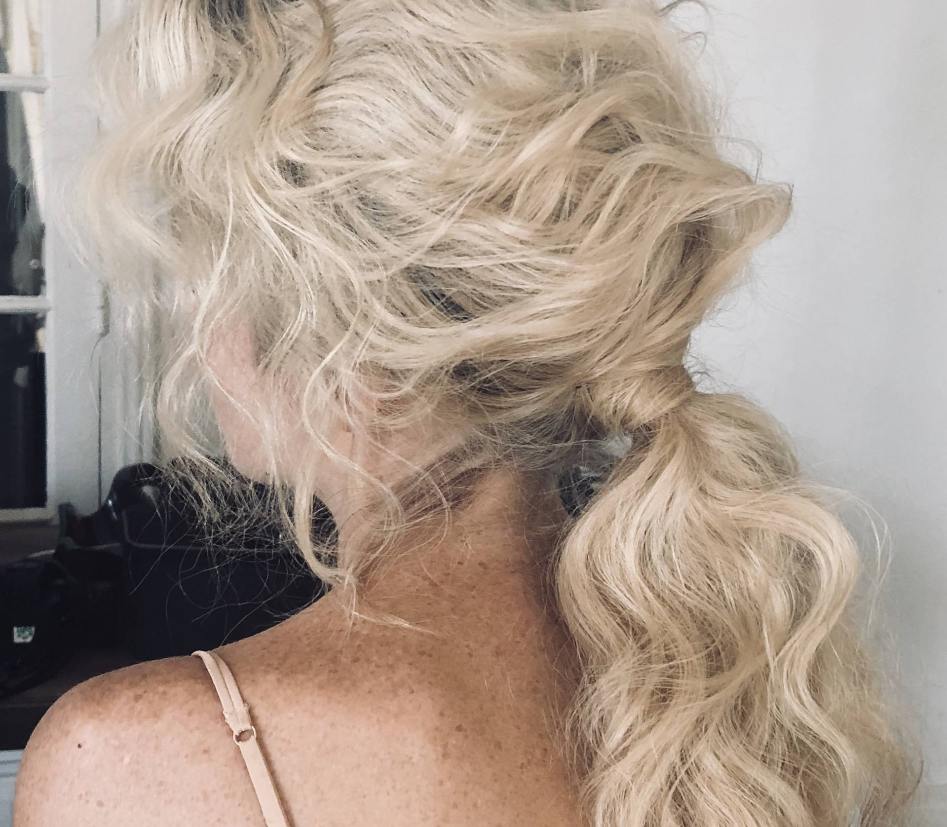 Davines knotted ponytail holiday hair tutorial