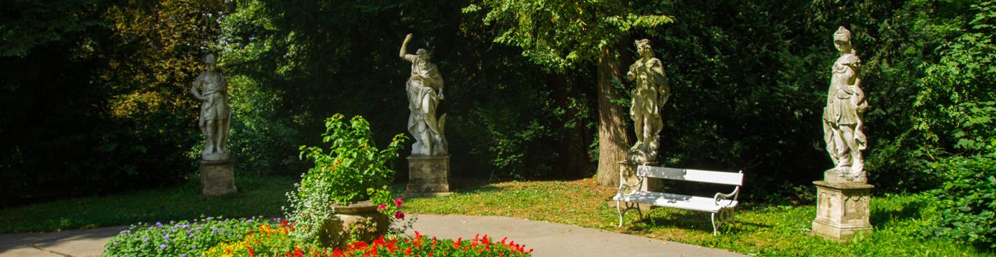 Экскурсия из Праги в замки Карлштейн и Конопиште