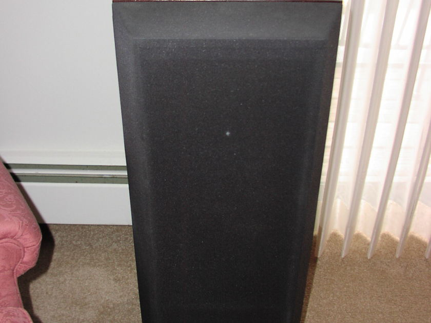 Kef Reference 104/2 Loudspeaker with model-specific 104.2 Kube