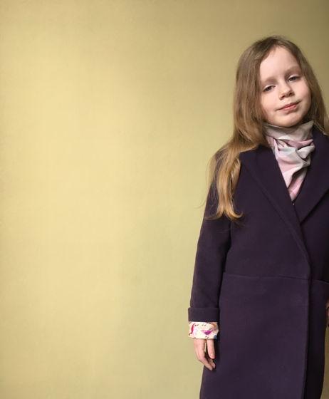 Пальто для девочки в цвете «Черника», шерсть 50%