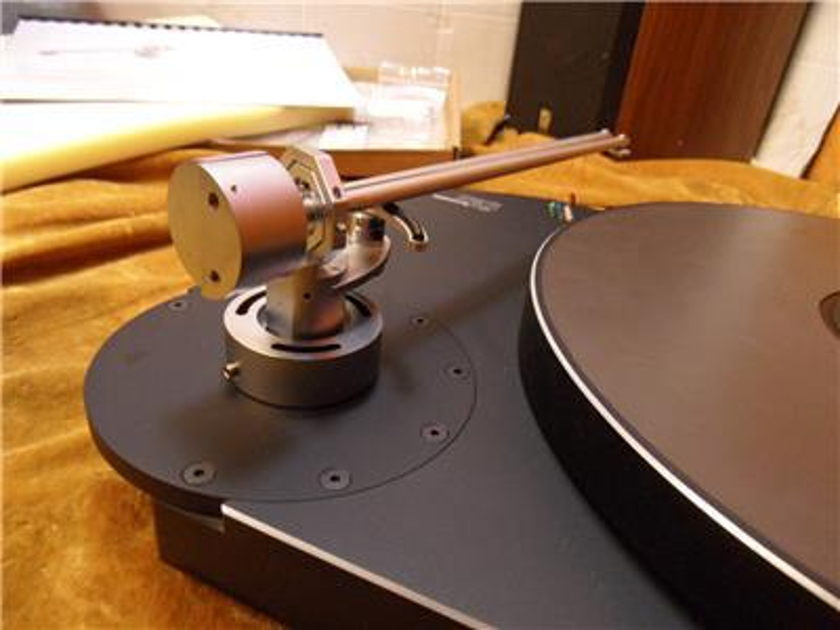 Thales Audio TTT C Compact Turntable with Simplicity II Tonearm