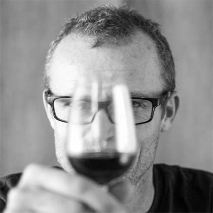 France, vin nature, rawwine, organic wine, vin bio, vin sans intrants, bistro brute, vin rouge, vin blanc, rouge, blanc, nature, vin propre, vigneron, vigneron indépendant, domaine bio, biodynamie, vigneron nature, cave vin naturel, cave vin, caviste, vin biodynamique, bistro brute, Quimper, Finistère , philippe formentin, opi d'aqui, languedoc