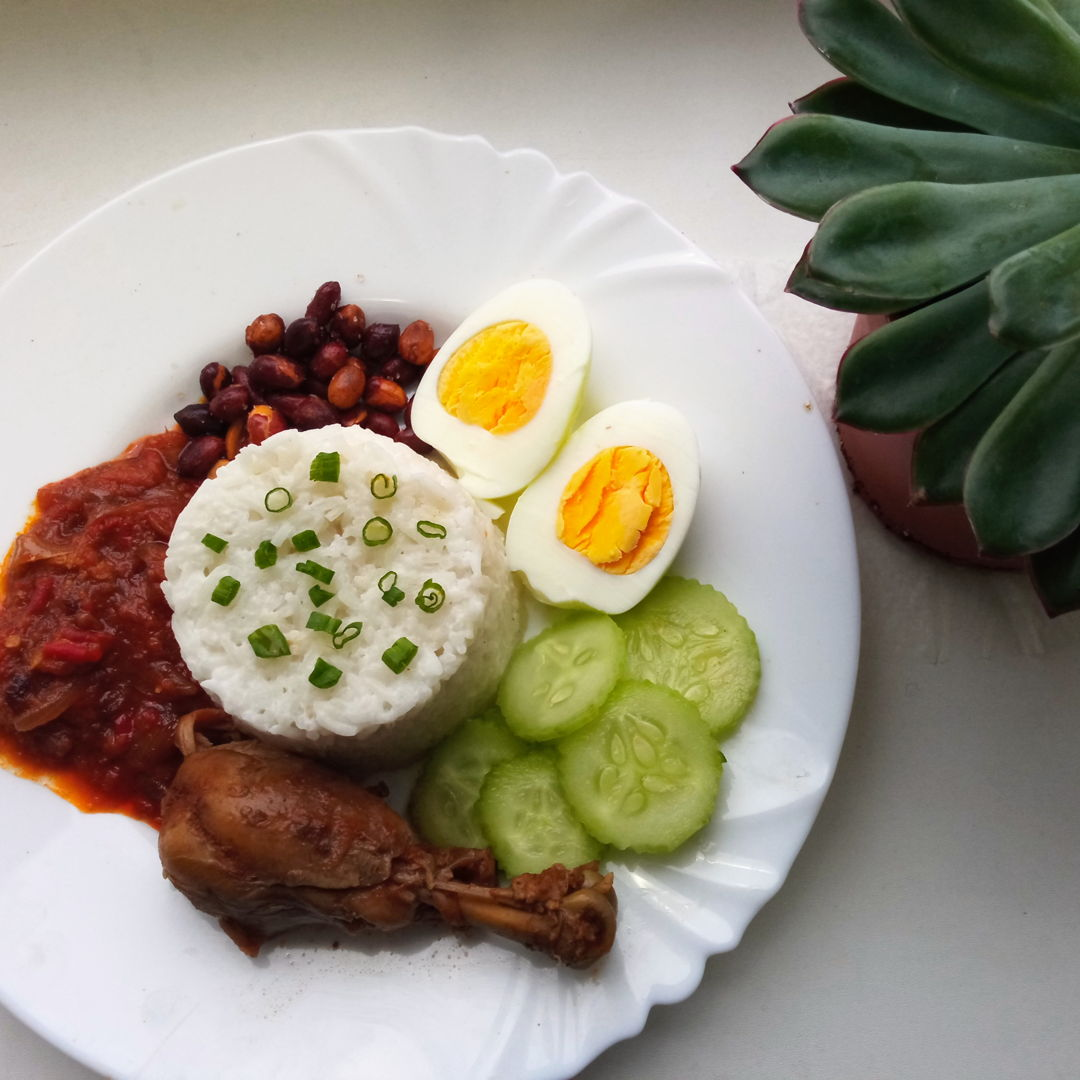 I missed home, being stuck at uni and your recipe of Nasi lemak was just what i needed. Thank you sooo much for this delicious recipe. I remember watching your YT channel at home with mum and being one of your first subscribers. I love the way you have evolved and your recipes have been a huge part of my childhood. Thank you so much and you have no idea how much you and your recipes mean to me. 😍😍😍