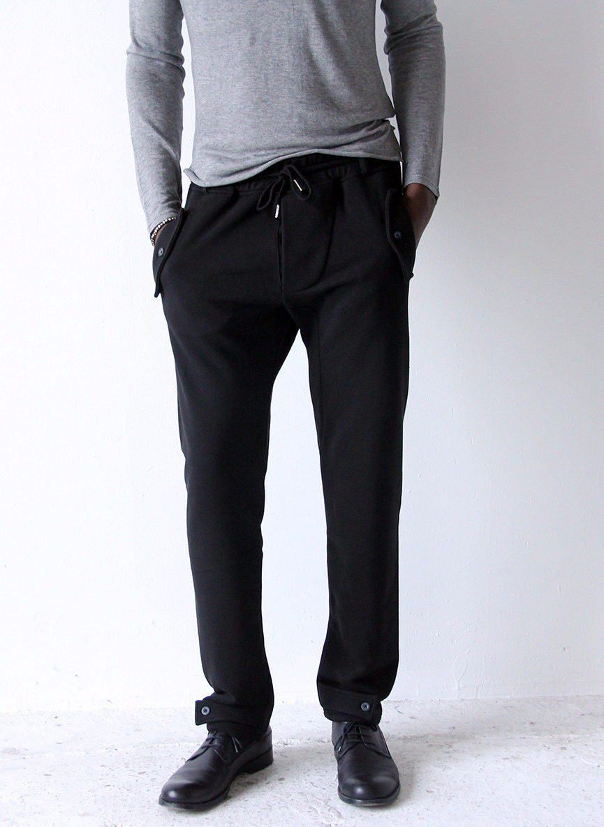 EFFORTLESS – TAILORED KNIT TRAVEL PANT