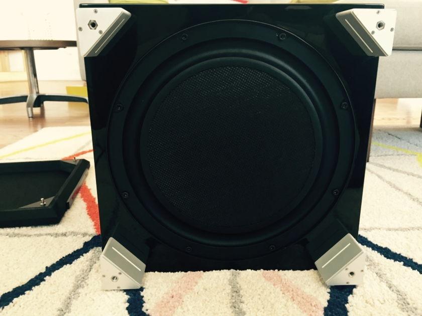 REL Acoustics R-328  (Piano Black) Subwoofer