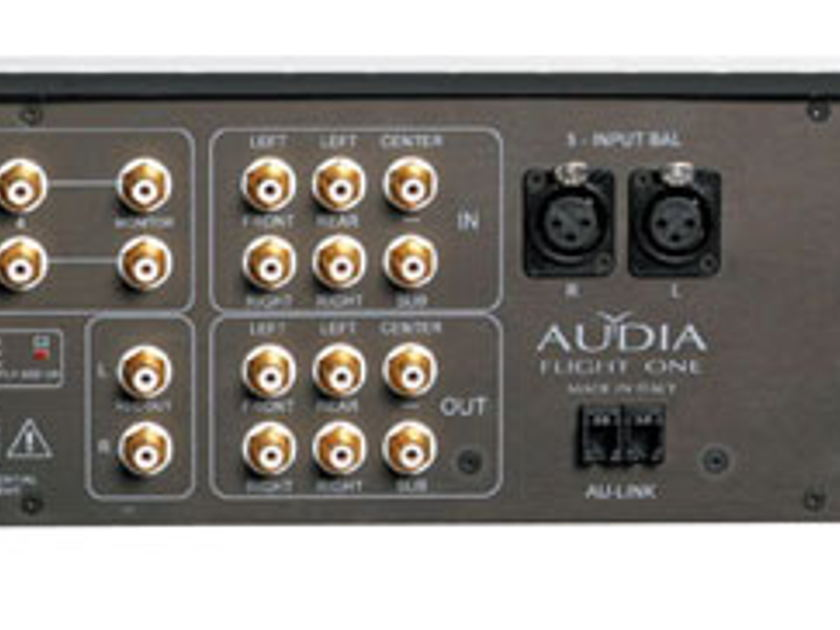 Audia Flight Flight One A/V integrated amplifier (demo)