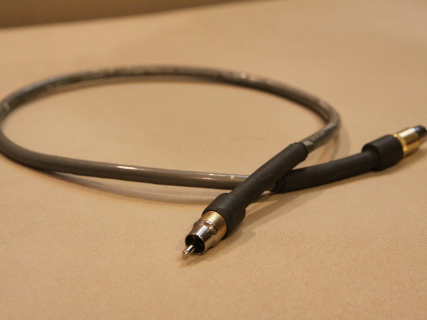 CARDAS CABLE Lightning Digital Coax Cable  1/2 meter, rca in great condition