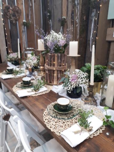 Wedding table decoration at wedding fair TrauDich in Düsseldorf