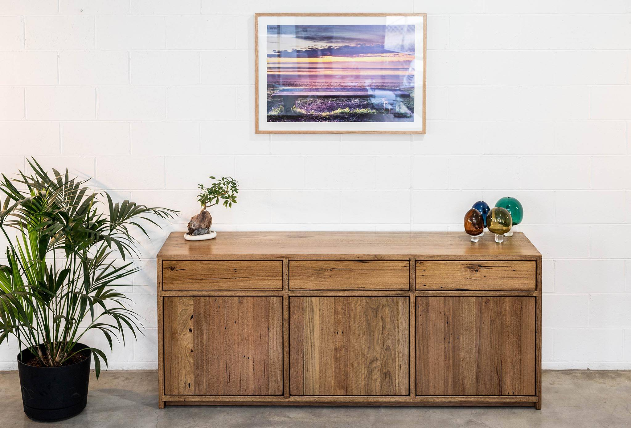 Sideboard Buffet Sringy Bark Push Open Doors  + Drawers, Adjustable Shelves