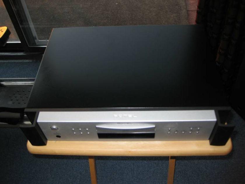 ROTEL RCD-1072 CD Player