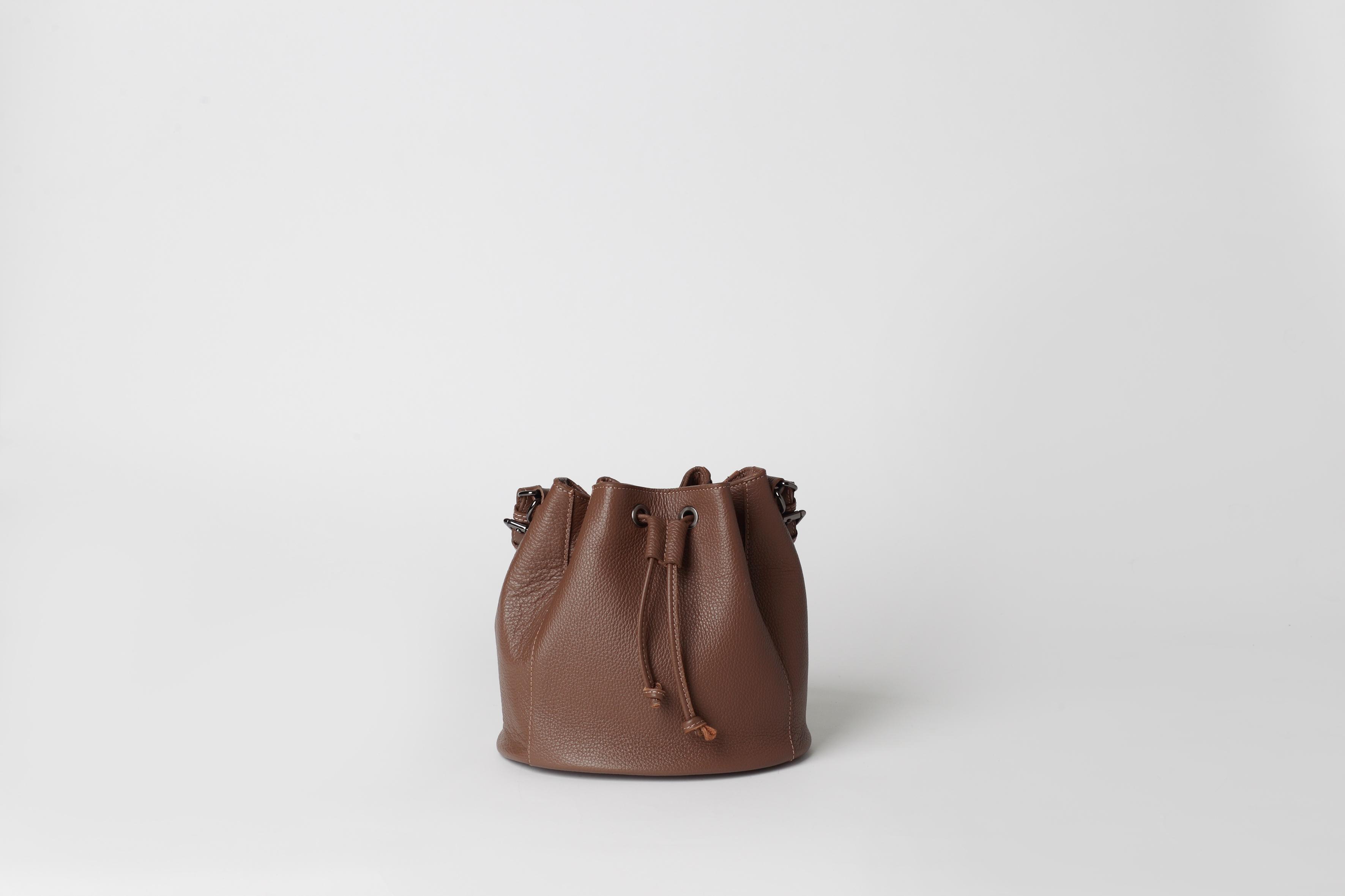 23cf1070b68a Сумка-торба из натуральной кожи - NAVY - real leather bucket bag. В наличии