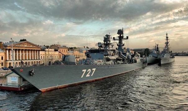 День ВМФ: Просмотр Парада Военных Кораблей с Крыши