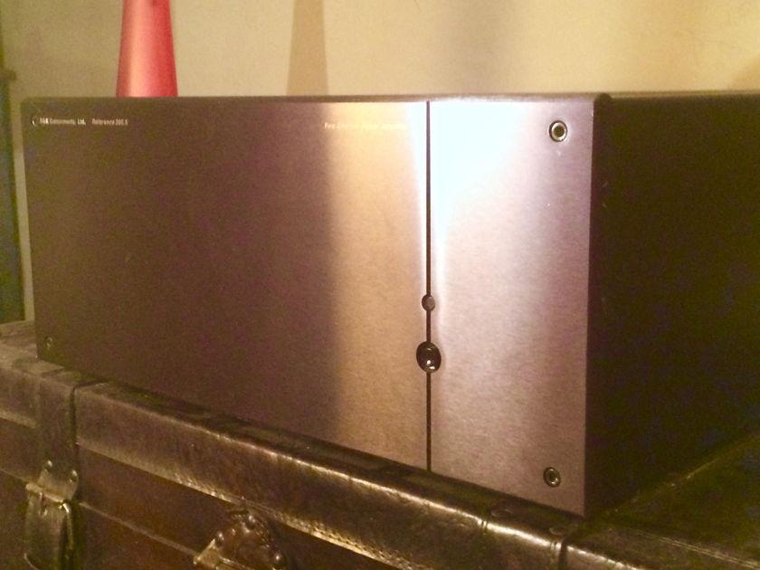 B K Reference 200.5 5 Channel Power Amplifier