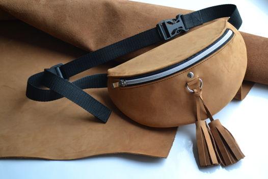 Поясная сумка из натуральной кожи с кисточками
