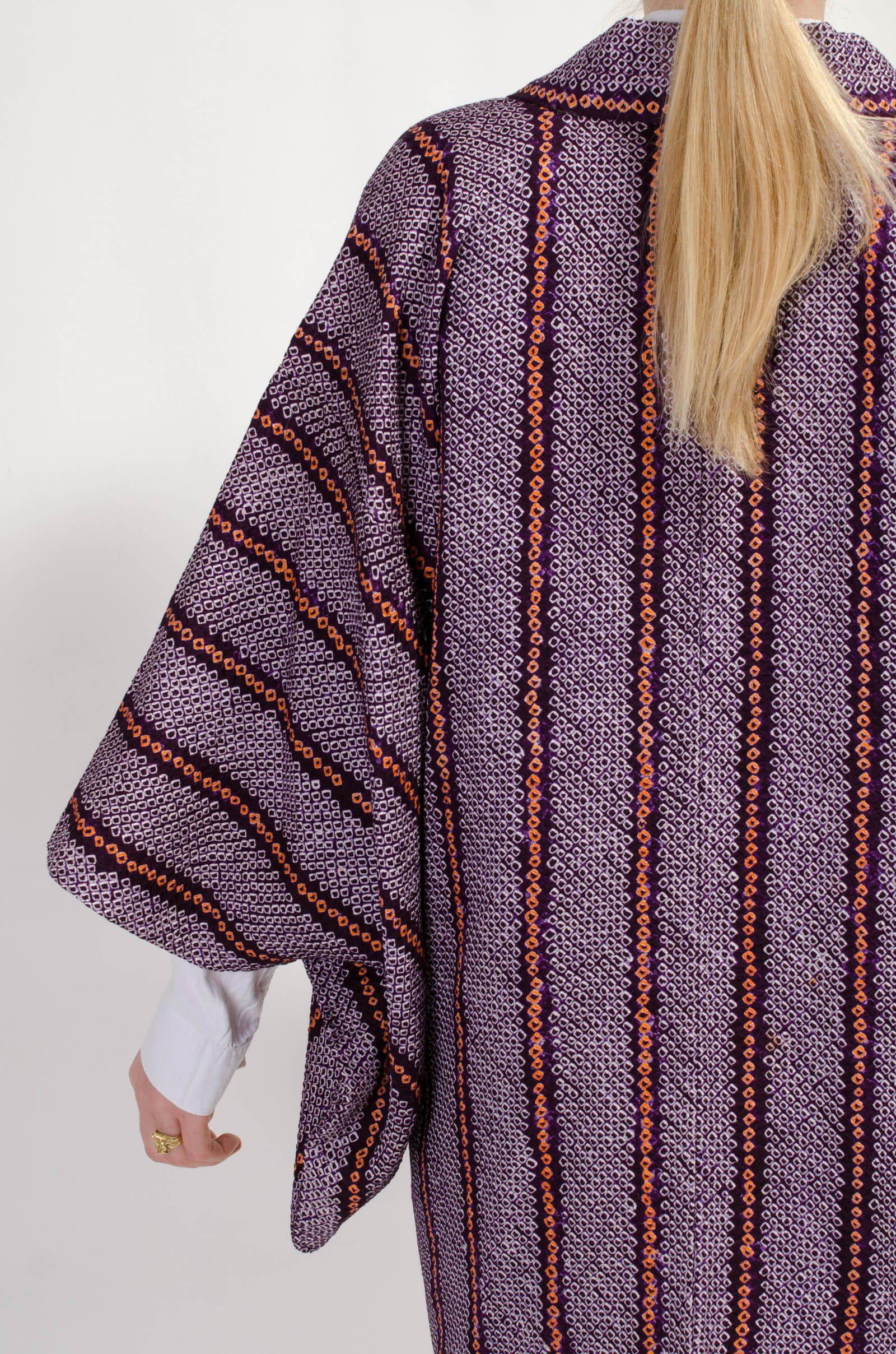 Vintage Kimonos - Haoris - Online at modern Archive Berlin