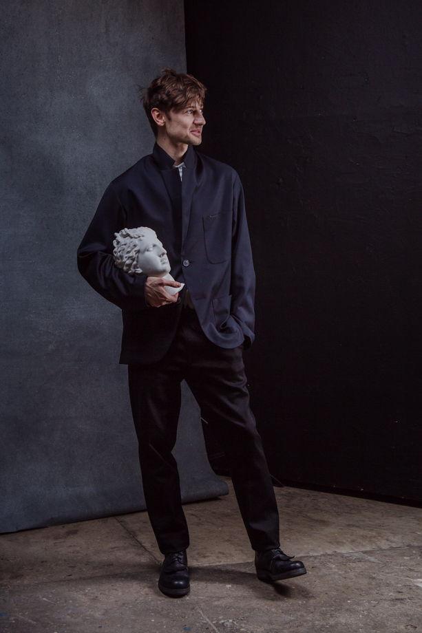 Не классический пиджак из тонкой шерсти