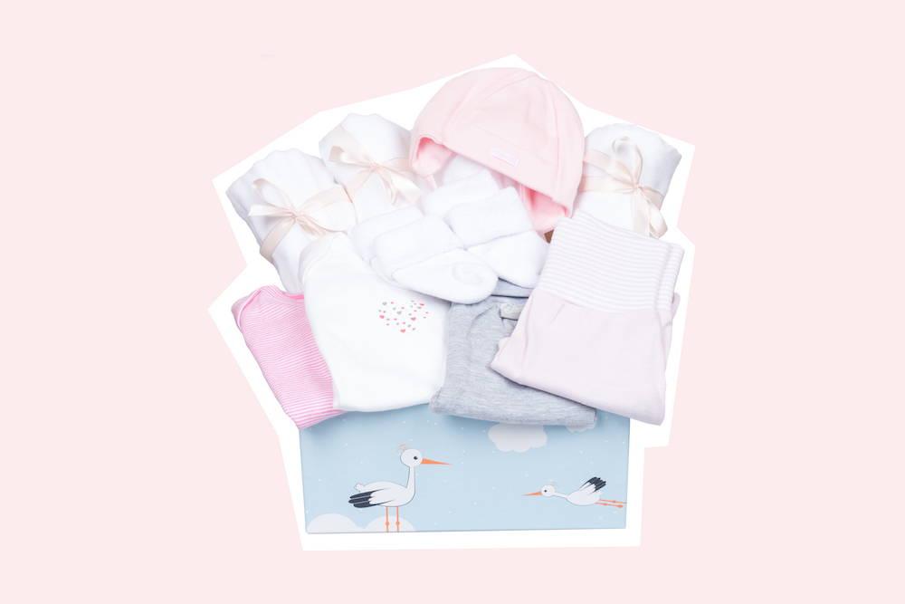 Babyerstausstattung für Mädchen als Geburtsgeschenk von Taidasbox
