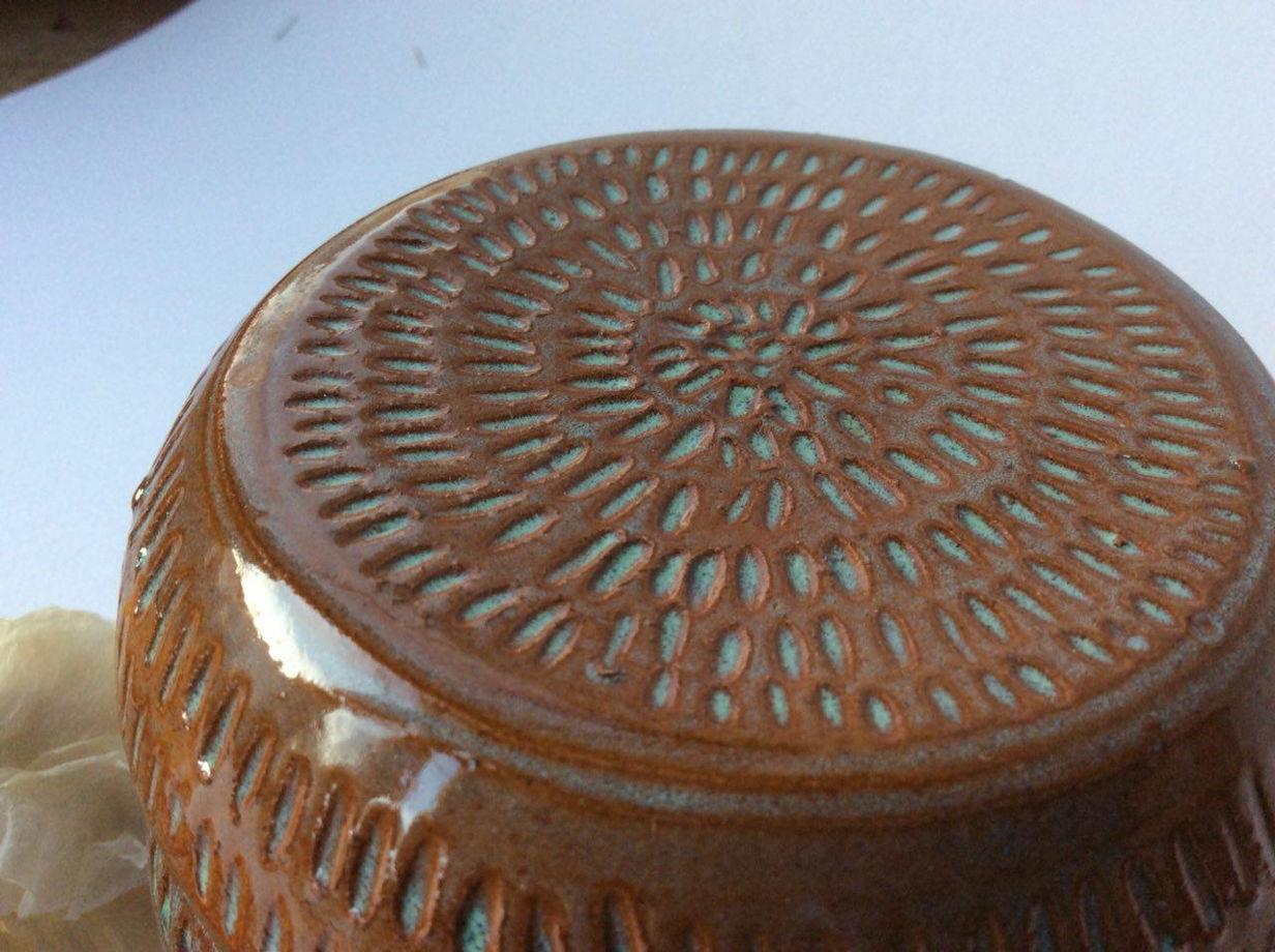 Шкатулка из глины с бирюзовым узором