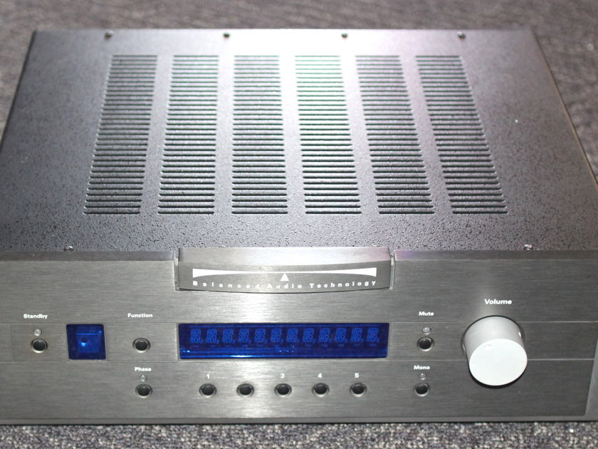 Balanced Audio Technology VK-30r Balanced/RCA Preamplifier w/phono